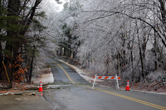 Ice storm, road closed ©iStockphoto.com/juliaf