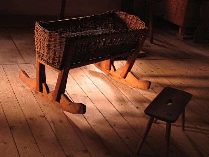 Antique cradle. ©iStockphoto/Anastazzo