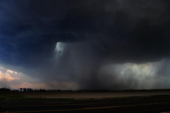 A catastrophic damage causing F3 tornado on April 2nd, 2006 near Wynne, Arkansas. ©  iStockphoto/clintspencer